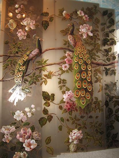 Рисунки на зеркале и стекле красками в Киеве для кухни и шкафа-купе девушка
