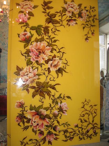 Рисунки на зеркале и стекле красками в Киеве для кухни и шкафа-купе лилия
