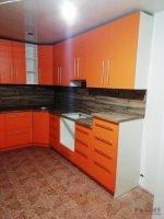 кухня оранжевая модерн