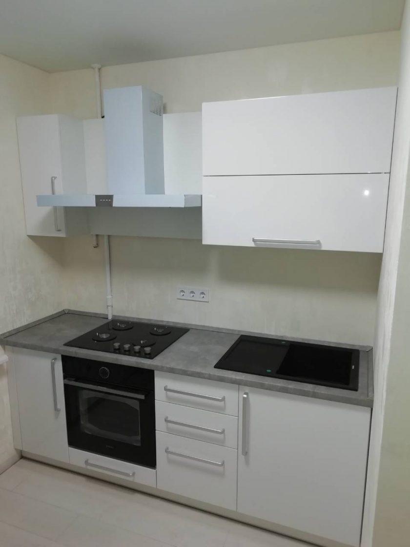 маленькая прямая кухня модерн