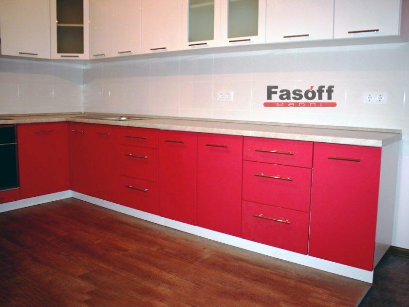 Кухня белая с красным