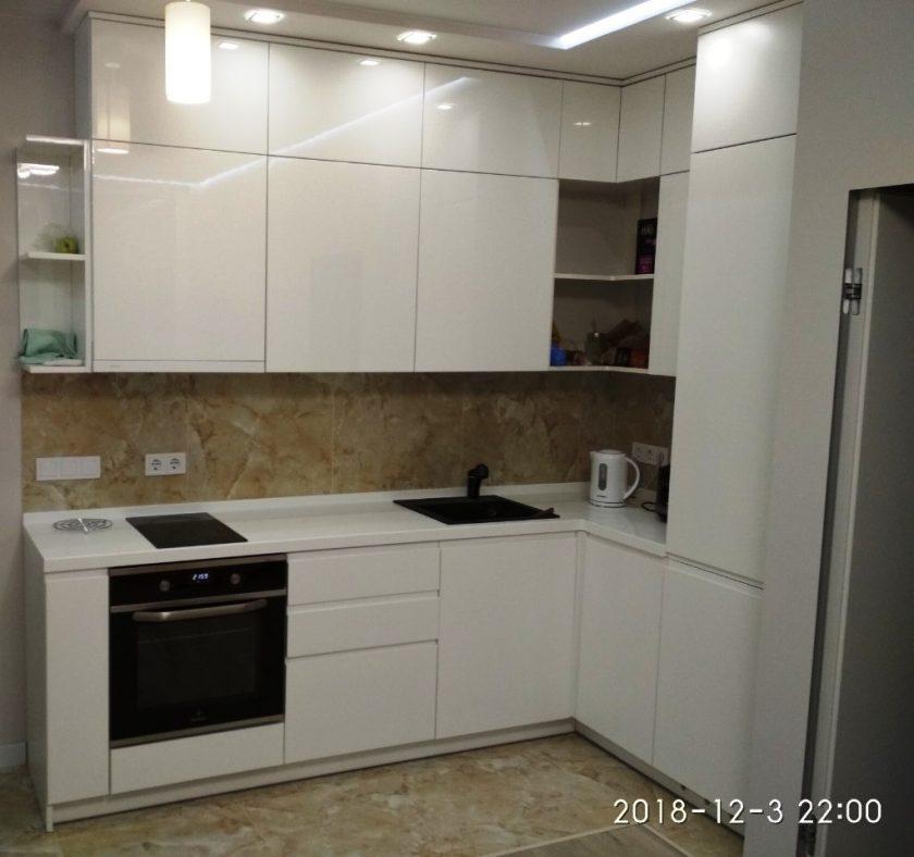 Кухня на заказ Юрий МДФ крашеный глянец