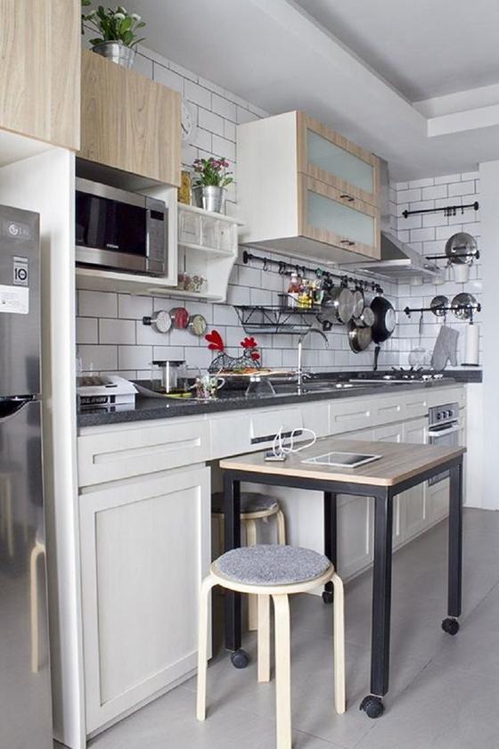 Дополниельная рабочая поверхность на кухне
