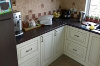 кухня под заказ с крашеными фрезероваными фасадами МДФ с патиной и фурнитурой GTV + Blum Нивки