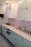 Кухня под заказ с крашенными МДФ фасадами и столешницей Люксформ Киев