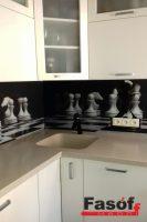 Купить кухню шахматы с фурнитурой Blum, столешницей исскуственный камень TriStone, фасадами МДФ крашеный глянец под заказ Вышневе