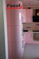 Розовая глянцевая кухня с фурнитурой BLUM, и столешницей из искусственного акрилового камня Montelli Greenish White под заказ Борщаговка