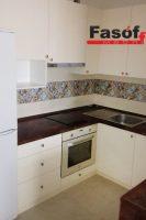 Белая кухня под заказ с фасадами AGT гладкий 19 мм, корпусом ДСП Swisspan 18мм, фурнитурой GTV Польша в Вышневе