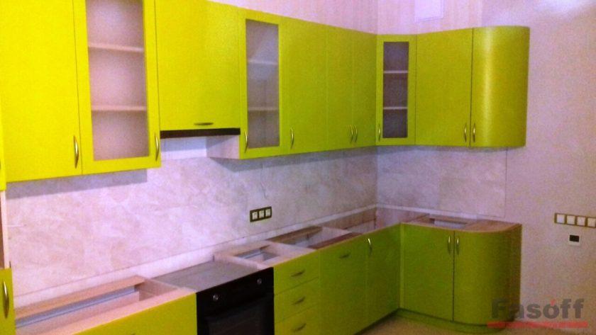 Кухня глянцевая салатовая