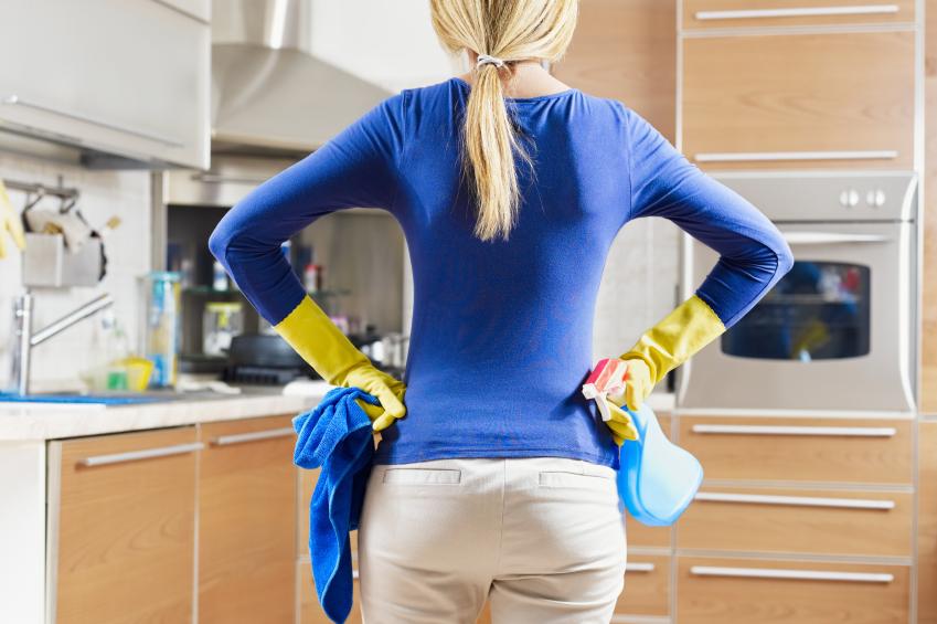 Чем мыть кухню ?