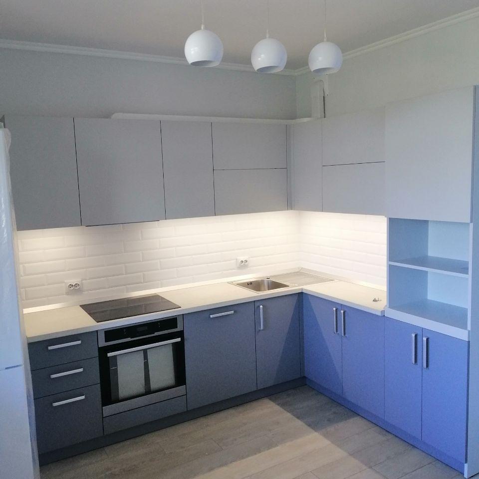 Синяя кухня на заказ угловая
