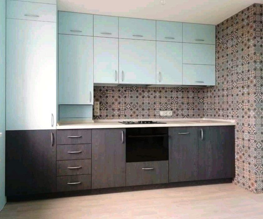 кухня модерн голубая с серым