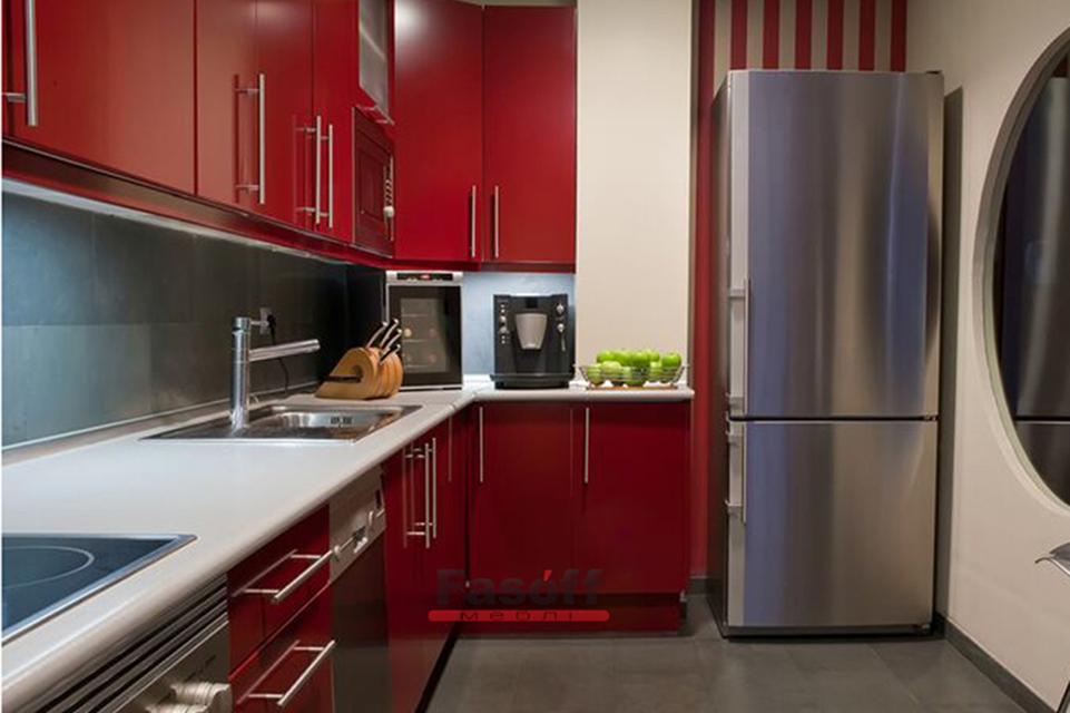 Красная кухня модерн с фурнитурой Blum Киев