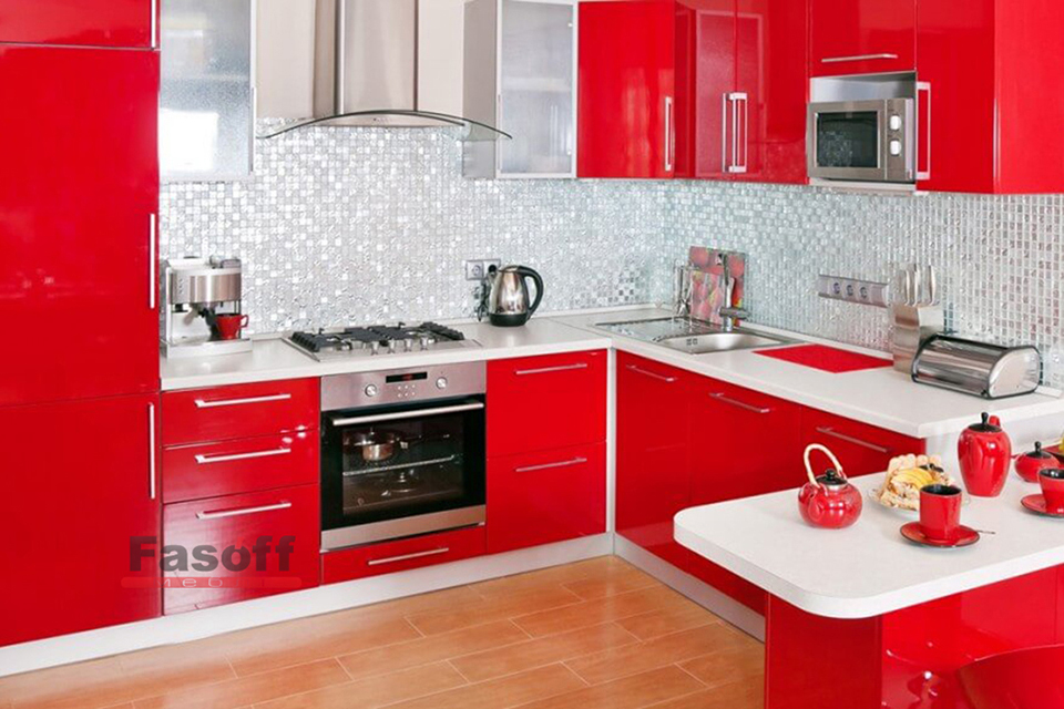 Красная п-оразная кухня с глянцевыми акриловыми фасадами Святошино