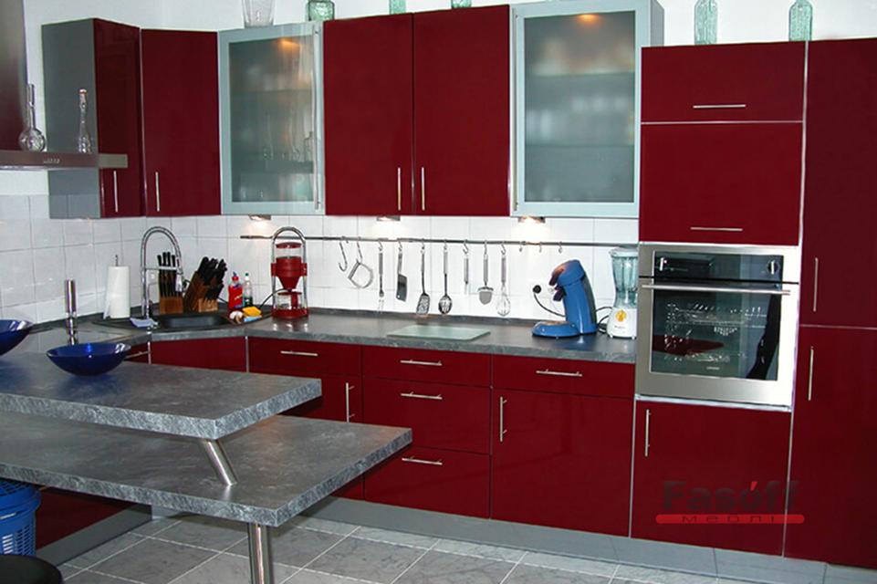 Матовая кухня с красными крашеными фасадами Ирпень