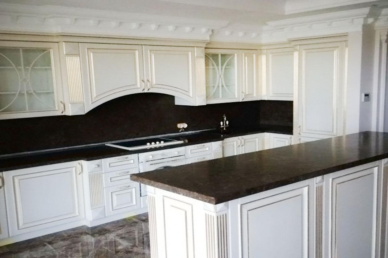 Кухня со столешницей с натурального камня купить в Стоянке