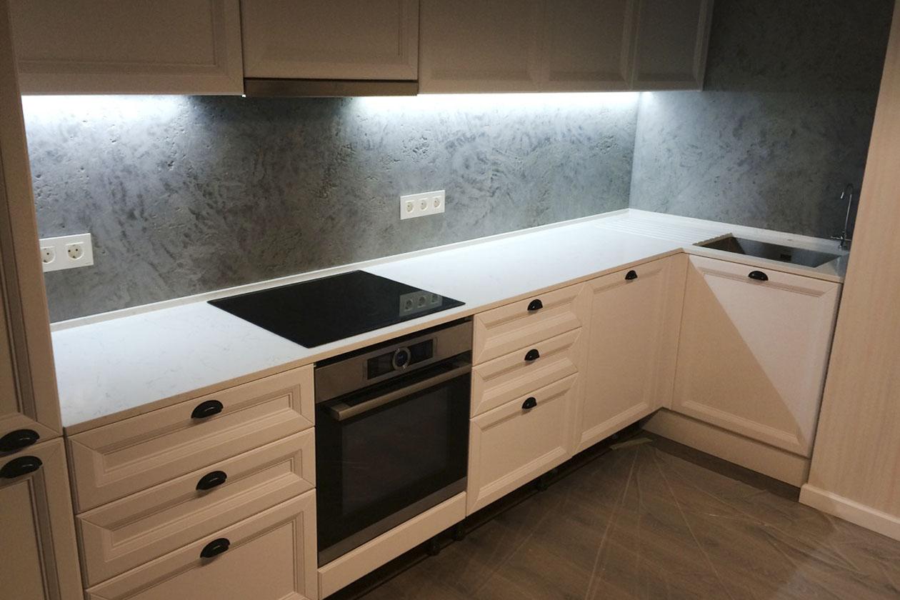 Кухня со столешницей с натурального камня купить в Вышневому