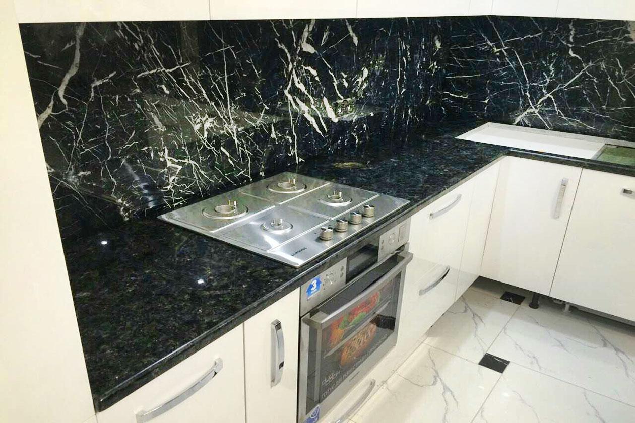 Кухня с каменной столешницей купить под заказ Нивки