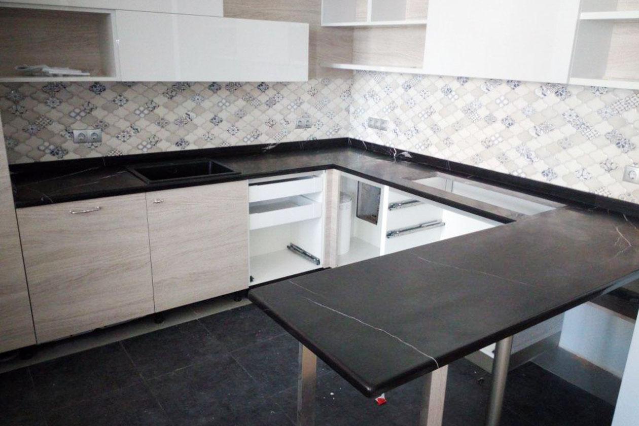 Кухня с каменной столешницей купить под заказ Борщаговка
