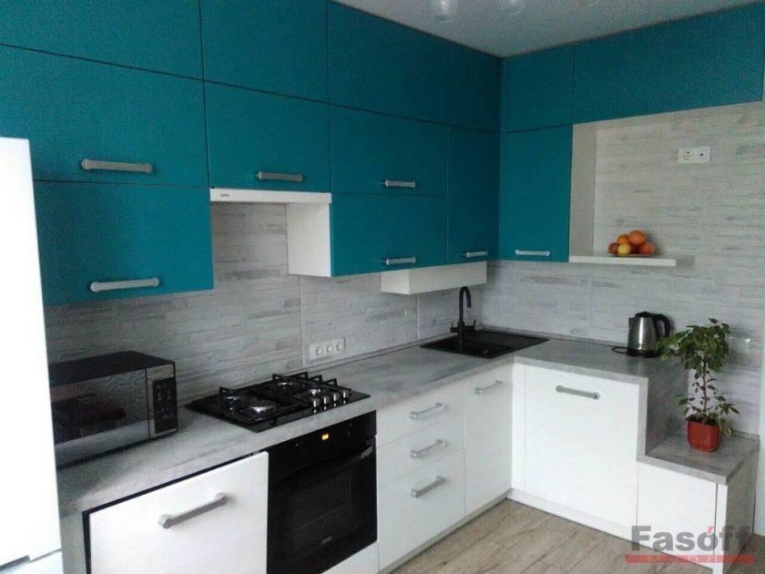Кухня на заказ с крашеными МДФ фасадами