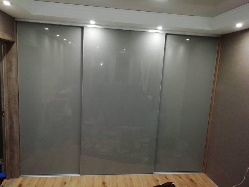Шкаф купе люкс стекло крашеное