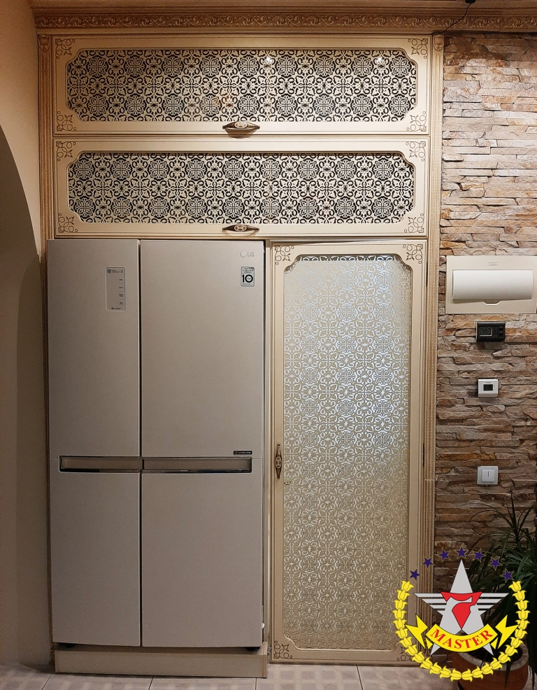 Шкаф на кухню с лазерной резьбой