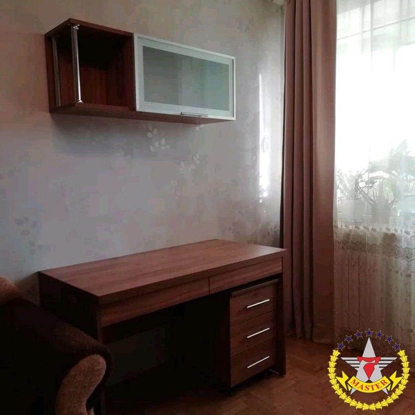 Письменный стол и полка на заказ