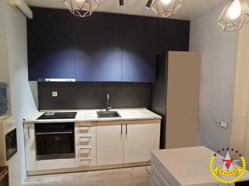 Кухня модерн под потолок
