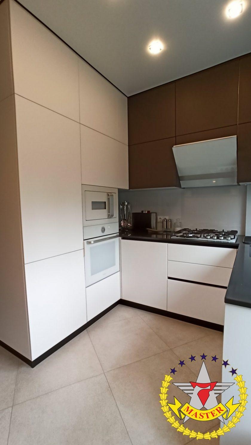 Кухня мечты под потолок