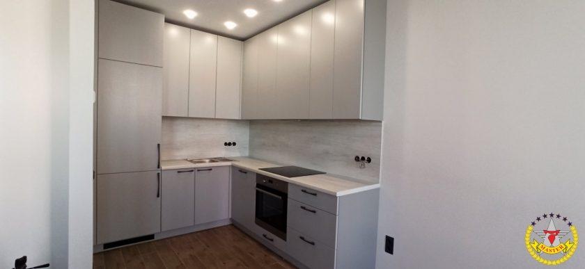 Кухня угловая белая в потолок